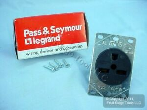 New Pass & Seymour Straight Blade Receptacle 6-30 30A 250V 3801 Boxed