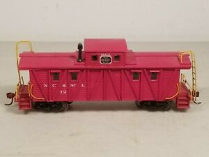 Vtg. Built Roundhouse HO Scale Detailed Wood Wooden Caboose w/ Knuckle Couplers