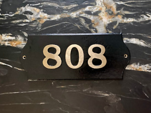 Custom House Numbers: Contemporary Horizontal Brass Plaque Bold Font