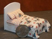 Dollhouse Miniature Bed Red Ragdolls 1:24 Half inch scale 1/2 D52 Dollys Gallery