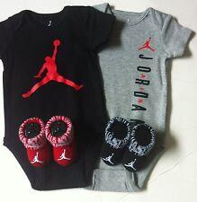 Nike Air Jordan Baby 4-tlg Geschenk Set Body & Booties 3-6 Monate