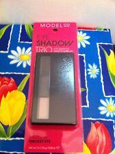 Model Co ModelCo Eyeshadow Trio Palette 08 Smokey Eye Shadow Brush