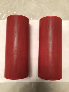 Insignia NS-SPBTWAVE2-R ,  2 Piece Portable Bluetooth Stereo Speaker - Red