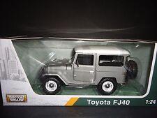 MOTORMAX TOYOTA FJ40 Plateado Con Blanco Top 1/24 Platino Edición 79323