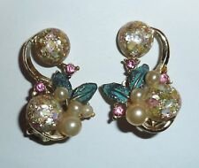 VINTAGE TOTALLY ECLECTIC CONFETTI LUCITE, PEARL & RHINESTONE CLIP-ON EARRINGS