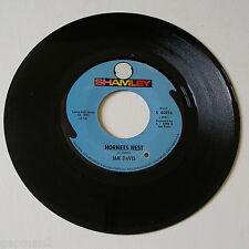 Jan Davis 1969 Shamley 45rpm Hornets Nest b/w Flamenco Funk (Mosaic)