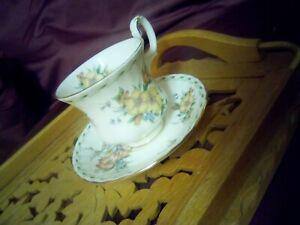 Royal Albert Bone China England Constance 1991. Coffee/Espresso Cup & Saucer