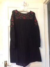 Vestido bordado floral ZARA negro con manga larga mediano rango seda de morera