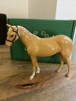 john beswick Palomino H259 horse with headcollar gloss