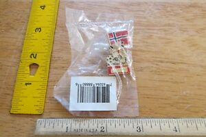 1994 World Cup Soccer Norway Coca Cola pin flag dog