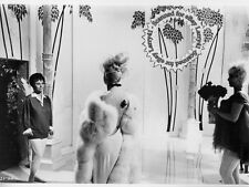 Giulietta Masina, Federico FELLINI still JULIET OF SPIRITS (1965) #29, SNIPE+org