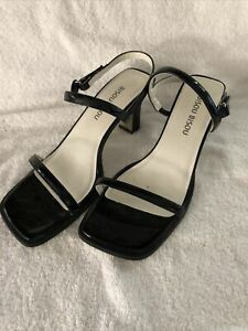 BISOU BISOU Womens Black Patent Leather Strappy Shoes Heels Sz US 10M New
