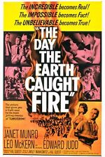 THE DAY THE EARTH CAUGHT FIRE  (DVD)1961 SCI-FI ATOMIC TESTS SEND EARTH INTO SUN