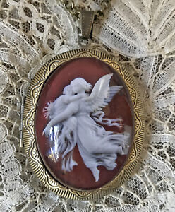 GUARDIAN ANGEL CAMEO  Vintage Picture LOCKET Necklace Victorian Jewelry IMAGE