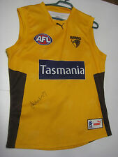 HAWTHORN- SHANE CRAWFORD HAND SIGNED ISSUED TRAINING JERSEY UNFRAMED