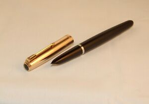 VINTAGE PARKER 51 CUSTOM FOUNTAIN PEN - BLACK / ROLLED GOLD CAP - SUPERB - C1958