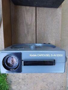 Kodak Carousel S-AV 2000 Slide Projector, Manual etc, S-AV1000 Lens and Case