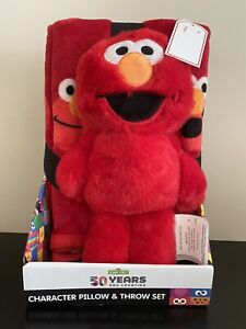 SESAME STREET ELMO 50 YEARS AND COUNTING CHARACTER PILLOW AND THROW SET