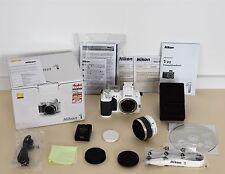 Nikon 1 V2 Kit mit VR 10-30mm Objektiv * 14.2MP * Weiss * TOP gepflegt * OVP
