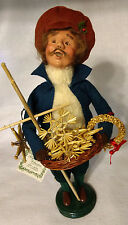 BYERS CHOICE Carolers - The Cries of London - Straw Vendor Ornaments Wreaths