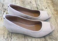 Gorgeous CLARKS ARTISAN ~UK 3 D~ Daisy Nude Nubuck Leather Peep Toe Wedge Shoes