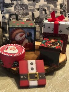 Lot of 5 reusable christmas gift boxes or decor. Multiple Sizes