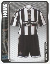 177 HOME KIT ENGLAND NEWCASTLE UNITED STICKER FL CHAMPIONSHIP 2010 PANINI