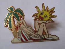 Pin's pin up (transat soleil - zamac signé Ballard collection)