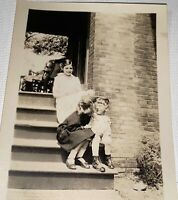 Rare Antique / Vintage American First Kiss Silly Adorable Snapshot Photo! C.1920