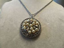 ORNATE Textured Silver Base w/CREAMY WHITE Faux PEARL Pendant Necklace 14N759