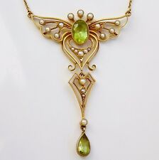 Stunning Victorian 15ct Gold Winged Peridot & Pearl set Pendant Necklace c1890