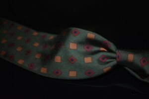 #1 MENSWEAR Drakes England Olive Ancient Madder Spaced Cube Untipped Silk Tie NR