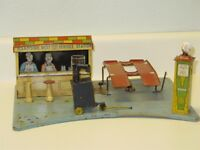Vintage 1930s Tin Litho Marx Roadside Rest Service Station, Tin Toy, Gas, Oil