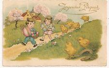 Carte postale semi ancienne Joyeuses Paques enfants poussin relief