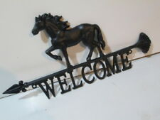 Cast Iron Horse Welcome sign arrow pointer