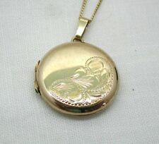 Very Nice 9ct Gold Engraved Locket And Chain
