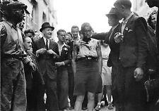 WW2 - Exhibition d'une femme tondue à Cherbourg le 14 Juillet 1944