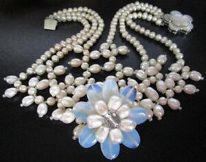 Gorgeous Genuine Pearl Opalescence Flower Necklace