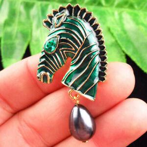 Carved Tibetan Gold Pearl Enamel Green Horse Head Brooch R55276