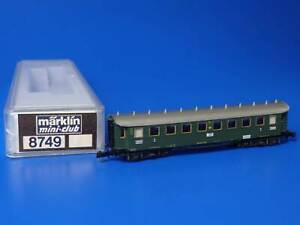 MARKLIN Z - 8731 - Green Passenger Car / BOX - LN