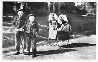 B106399 Netherlands Zeeland 'k heb mijn wagen costume types folklore