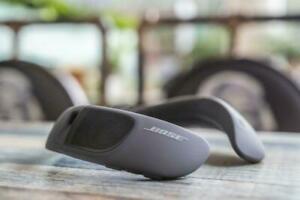BOSE SoundWear Companion Bluetooth speaker Wireless Wearable protable Speaker