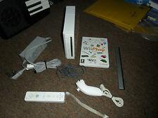 Console Nintendo Wii BUNDLE CON CONTROLLER UFFICIALE REMOTE nunchuck PLAY GIOCO