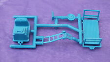 S5891 HORNBY TRIANG PLATFORM ACCESSORIES BLUE       R17A