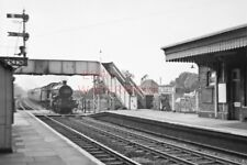 PHOTO  THATCHAM RAILWAY STATION (3)