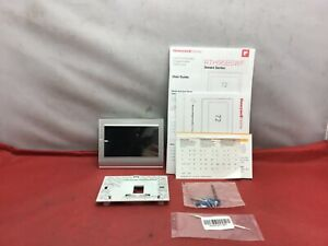 Honeywell Home Smart Color Thermostat (RTH9585WF) - USED