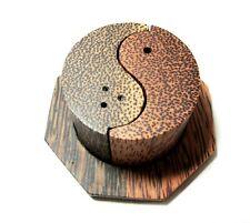 1 pcs Salt & Pepper Set Natural Wood Thai Handcraft Yin yang pattern two colors