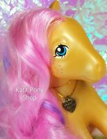 HQG1C Vintage G1 MLP Style Custom 💜 KITTY LOVE 💜 Pearl Sitting Pony w Charm!