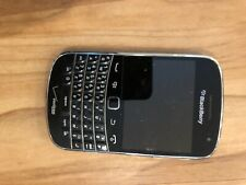 BlackBerry Bold 9930 - 8GB - Black (Unlocked) Smartphone