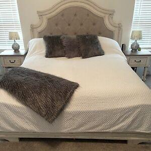 MARTHA STEWART Chenille Tufted bedspread Quilt